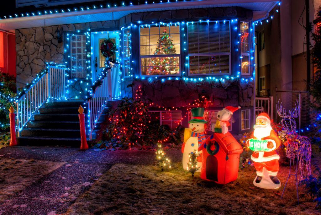 outdoor-christmas lights